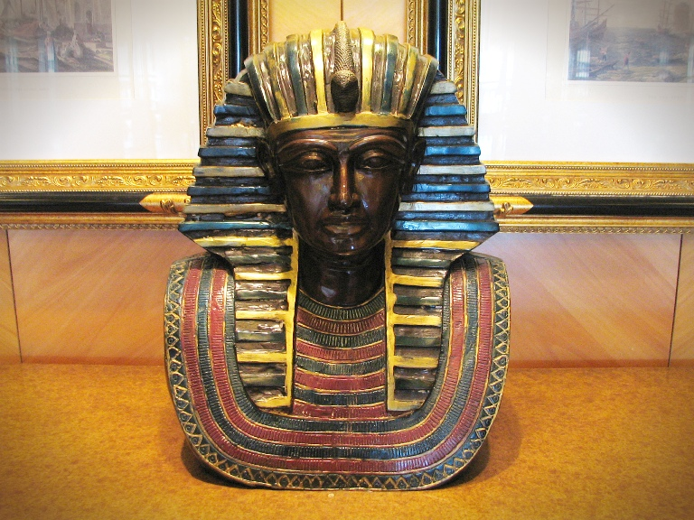 The Curse Of King Tuts Tomb Torrent: Explore The King Tut Exhibit With Me